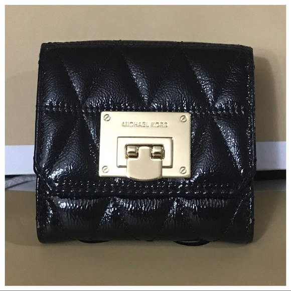 b71843be056e NWT MK Vivianne Trifold Coin Leather Wallet
